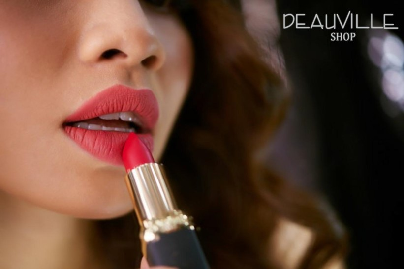 What color matte lipstick to wear for the holidays